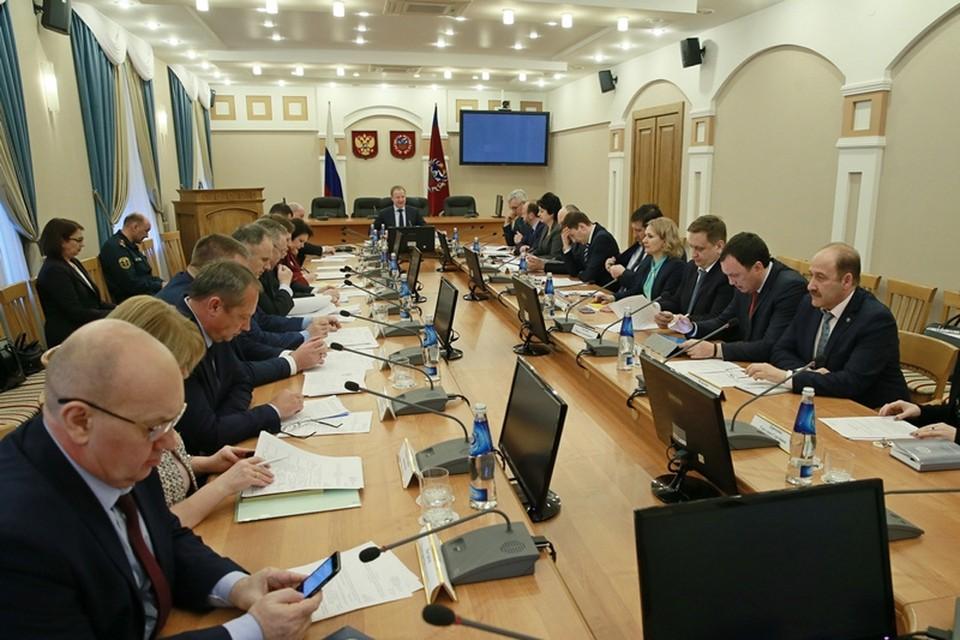 Заседание оперативного штаба по реализации мер профилактики и контроля за возникновением и распространением коронавирусной инфекции в Алтайском крае