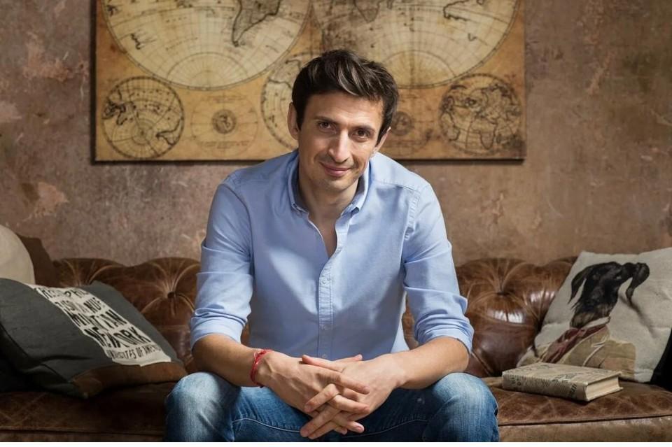 Алексей Гаврилов сыграл бывшего мужа Началовой - футболиста Евгения Алдонина.
