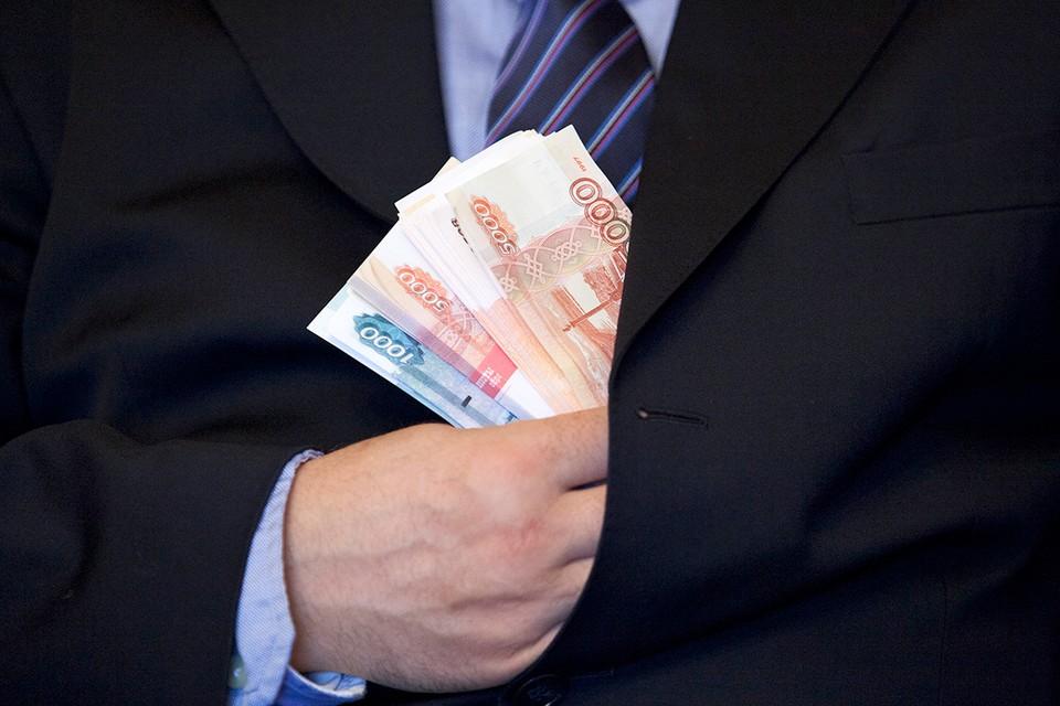 35% от ВВП страны принадлежит российским миллиардерам.