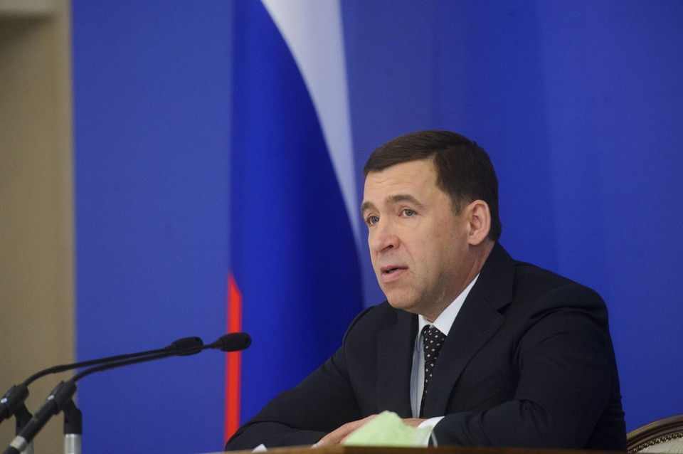 Глава региона отметил, что в Свердловской области от коронавируса привились больше 650 тысяч человек. Из них шесть тысяч потом заразились, но в реанимацию не попал никто.