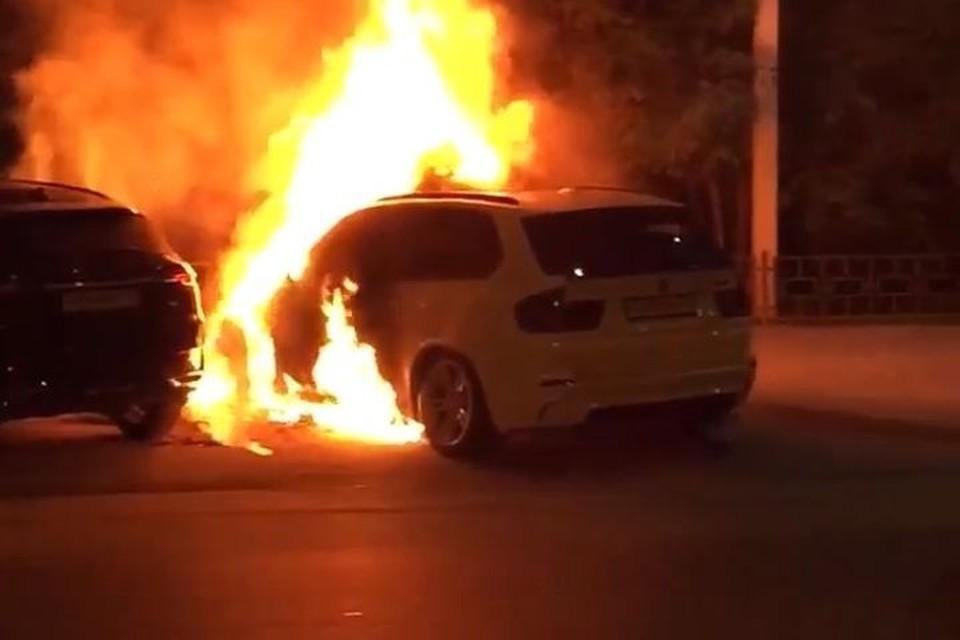Авто могли поджечь.