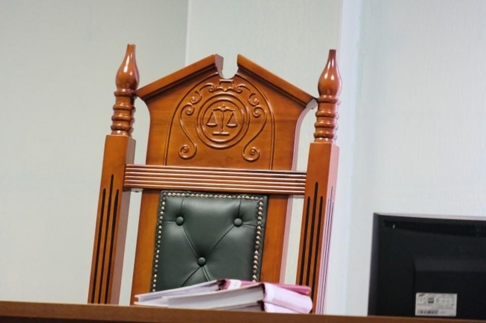 В Омске продолжают рассматривать дело о лишении сироты родительских прав на ребенка. К заседаниям подключилась и прокуратура.