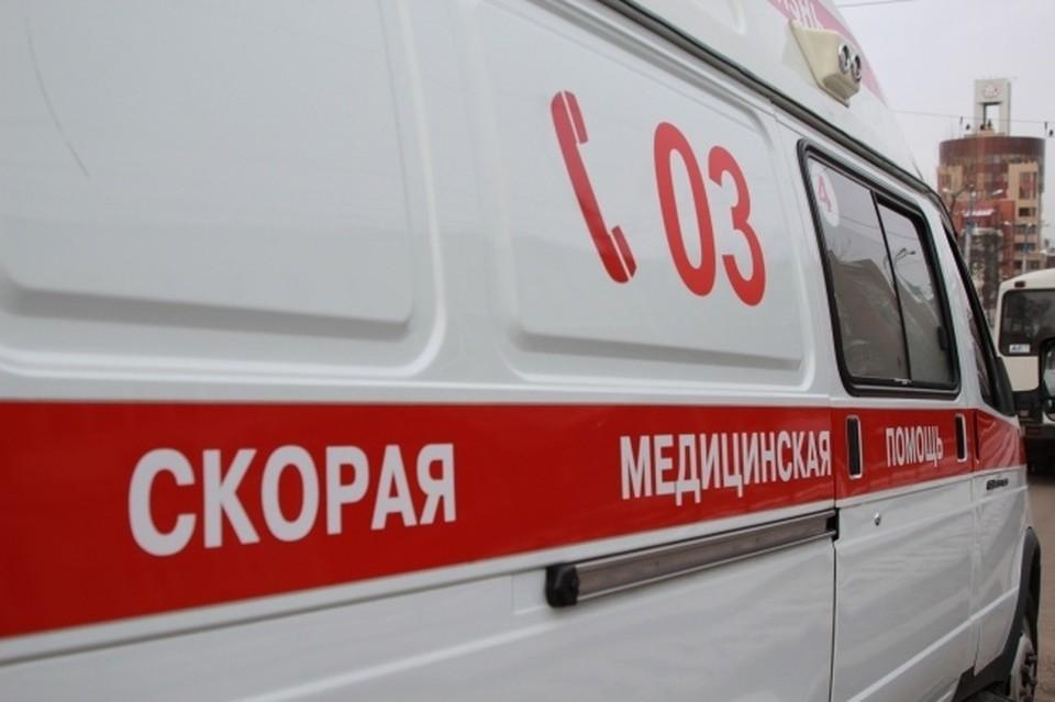 В Новосибирске полицейский сбил женщину, переходившую дорогу.