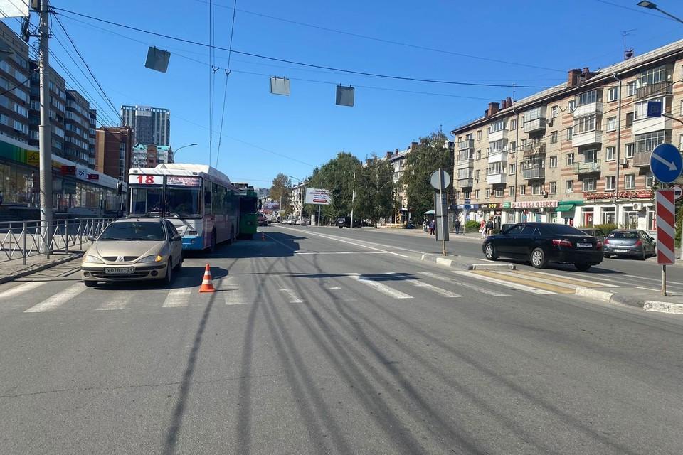 В аварии пострадали два человека. Фото: ГИБДД Новосибирской области.