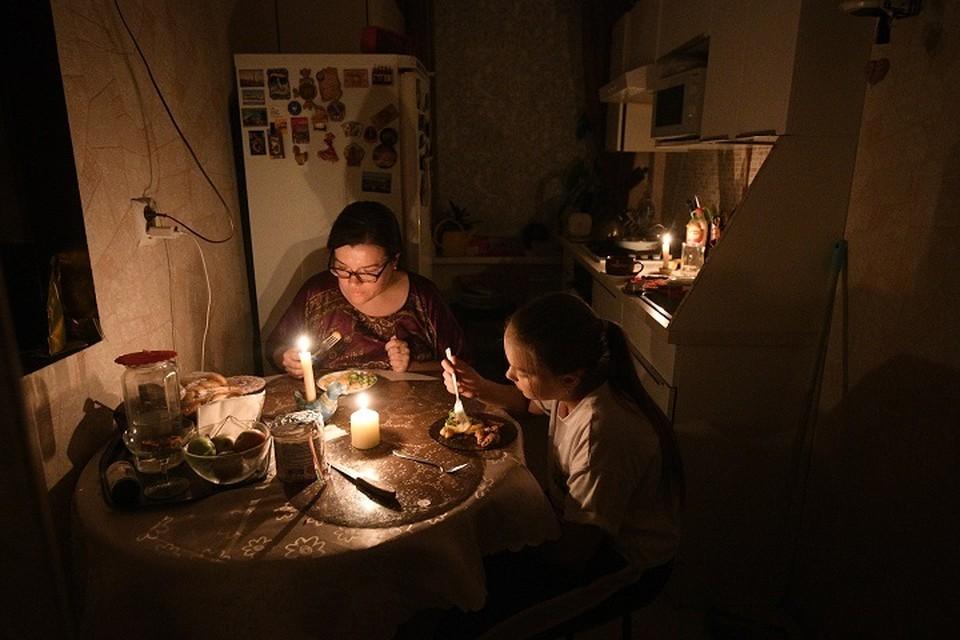 В том числе, света не было в жилых домах.