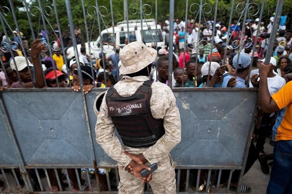В Гаити отложили объявление спикера Сената временным президентом страны из-за беспорядков в столице