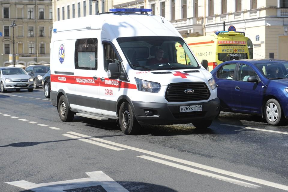 Младенец попал в больницу, выпав из кроватки в Петербурге