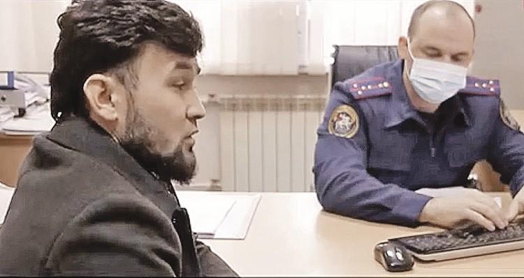 Врач не должен говорить комплименты, настаивает Азимов (слева). Фото: СК РФ